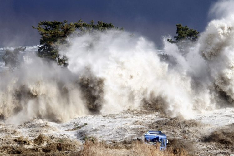 Having Been Hit By a 34 Meter Wave, This is How Japan Faced with The Tsunami
